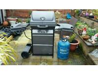 Char Broil Gas 3 ring new barbecue.