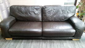 Brown leather 4 seater settee and large armchair