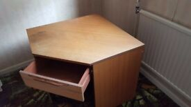 Corner desk with drawer unit