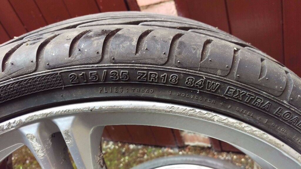 Used low profiles car Tyres 215/35 ZR18 Good Condition