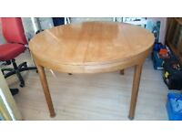 Nathan circular extending table