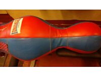 Lonsdale 3 in 1 Leather punchbag