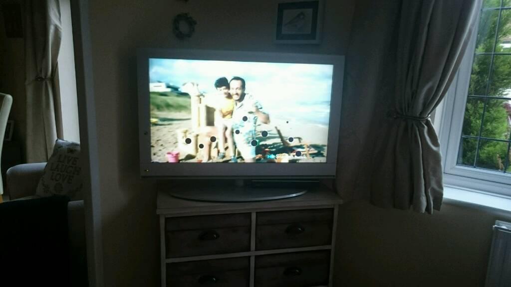 """TV full HD 37"""""""