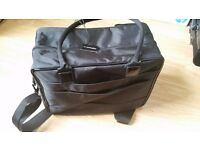 MAC Travel Bag - in excellent condition