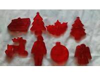 Set of 8 Vintage Christmas cookie biscuit cutters. USA