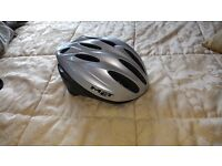 """""""Specialised"""" & """"Met"""" Unisex Cycling Helmets - £4 each (sold individually)"""
