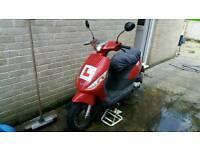 Piaggio zip scooter