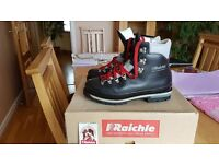 Size 10 Black Vintage Hiking / Walking Boots, 4 season, heavy duty (for crampons) - like new