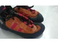 Red chili climbing shoes UK 5 EUR 38