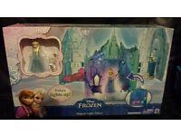 Disney Frozen. Elsa's castle New. Lights up. see images