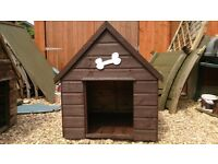 WOOD 3' X 3' DOG KENNEL WITH WINDOW + NEW FELT ROOF GOOD CONDITION FREE LOCAL DELIVERY