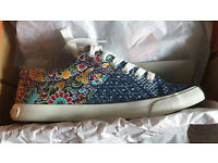 Brand New Rocket Dog Canvas trainers / Shoes / pumps