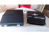 VINTAGE 1970S SEIKO SILVER REED LEADER 2 PORTABLE TYPEWRITER RED/BLACK WEDDING PRO HOME DECOR USE GC