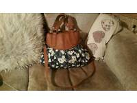 Lovely large Oasis hand bag
