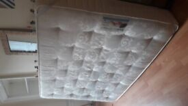 double bed mattress + boxspring (140x200)
