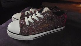 Dunlop original girls glittery sneakers. Size 2 Brand new in box