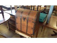 Unique Wine Rack Treasure chest - Great Condition