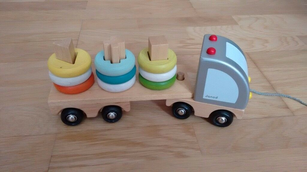 Multi-Colour Sorting Wooden Truck (Janod)