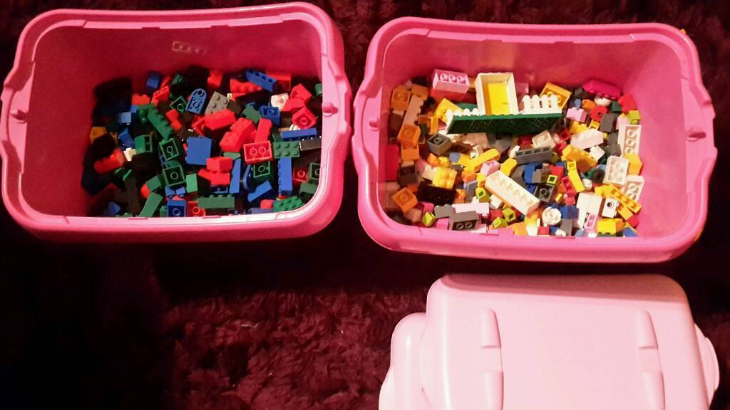 2 tubs of lego