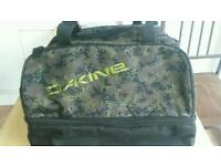Dakine Boarding bag split compartments brand new