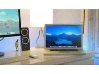 17' Apple MacBook Pro 2.5GHz Quad Core i7 8GB Ram 500GB SSHD Cinema 4D Vectorworks AutoCad InDesign