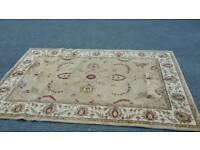 Very big carpet size 200 x290cm in used condition!can deliver or post!