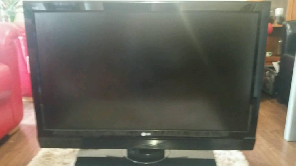 42 inch LG free view plasma TV