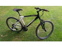 "GT Palomar Hybrid Bicycle - Schwalbe Road Commuter Tyres - Mens 26"" - Black/White - Mountain Bike"