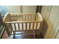 TROLL Baby crib