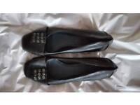 Elegant flat shoe size 5