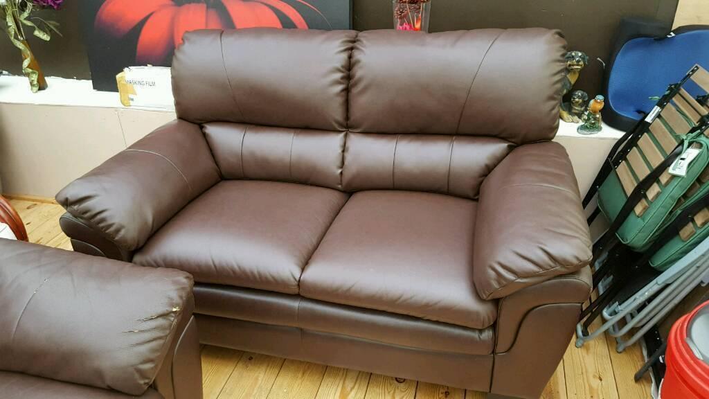 Brown leather sofa 3 + 2 in good conditon