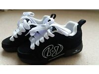 Black Junior Size 13 Heely Skates