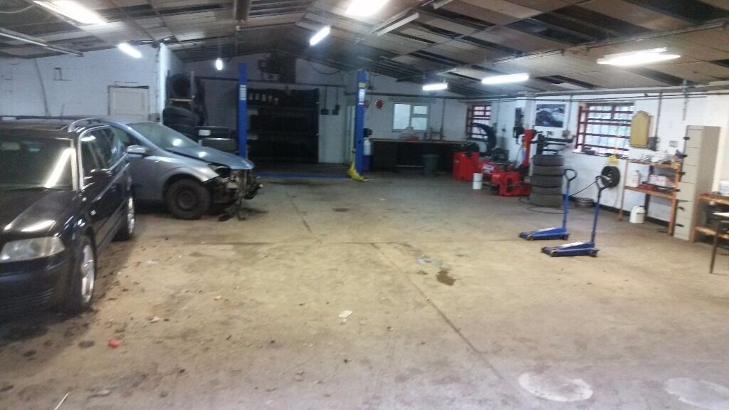Mechanics Garage Workshop For Rent With Brand New 2 Poster