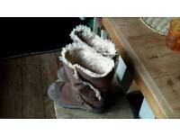 Ladies Caterpillar Boots Size 4