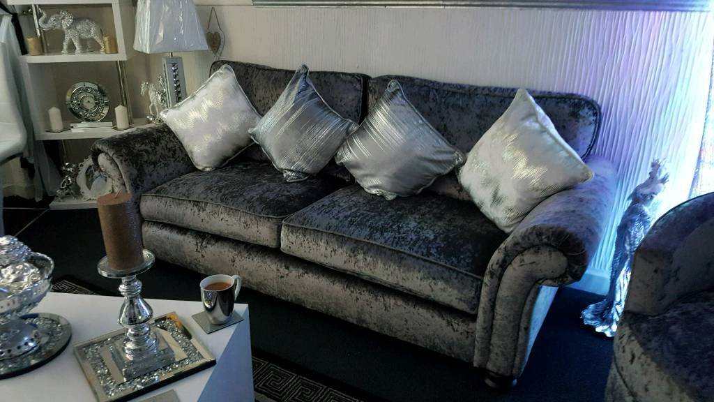 Silver 3 seater and extra large cuddle chair