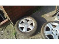 """Renault Clio 15"""" alloy wheel with mint tyre"""