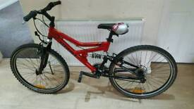 Fantastic 26inch GIANT BOULDER mountain bike in good condition all fully working