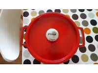 Large Pyrex Red Cast Iron 4L Casserole Dish with Lid