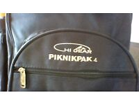 BRAND NEW Navy Hi Gear Piknikpak 4 Ruck Sack complete with picnic set