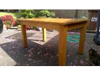 High Quality Solid Oak Dining Table - Good Condition