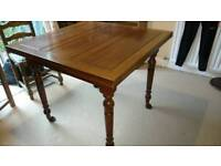 Traditional 2 leaf dining table