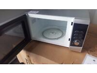 New unboxed Swan Microwave in white colour, great condition. 800 watts