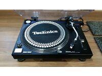 Technics SL-1210Mk2 Vinyl Turntable. - Refurbished. Looks Like New.