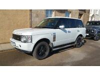 Range Rover L322 4.4 l petrol in pearl white.