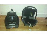 Maxi Cosi pebble car seat and Easy Fix Isofix Car Seat Base