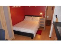 ***WEST END DOUBLE STUDIO ROOM ALL INCLUSIVE £550***
