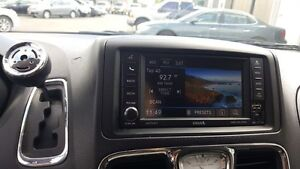 2015 Chrysler Town & Country DUAL DVD-BACK UP CAMERA-DUAL AIR/HE Windsor Region Ontario image 17