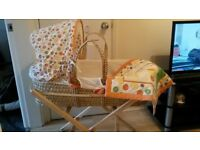 unisex moses basket with stand