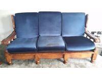 Three piece suite settee sofa