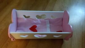 DOLLS COT AND BEDDING